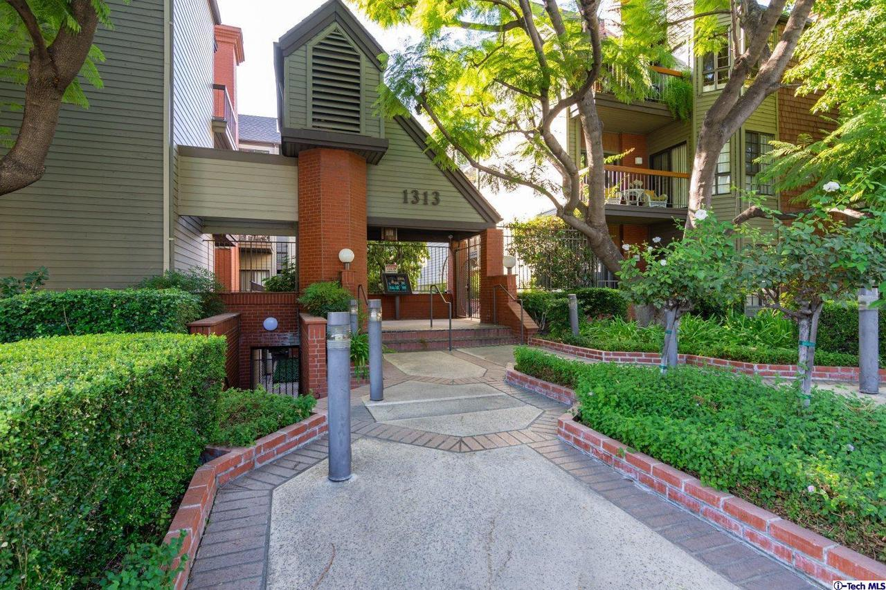 1313 VALLEY VIEW ROAD #109, Glendale, CA 91202