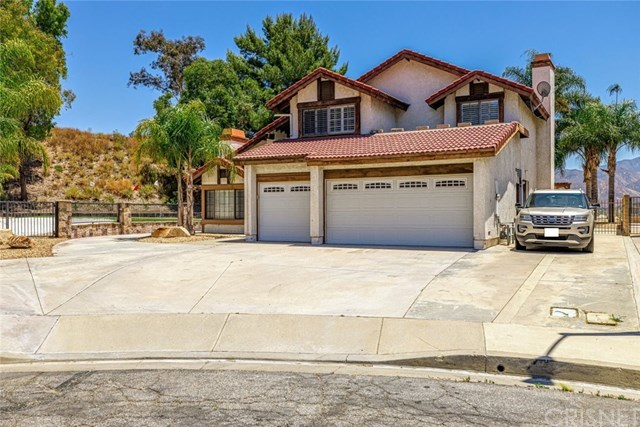28080 Valcour Drive, Canyon Country, CA 91387