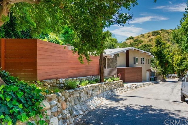 708 Country Club Drive, Burbank, CA 91501
