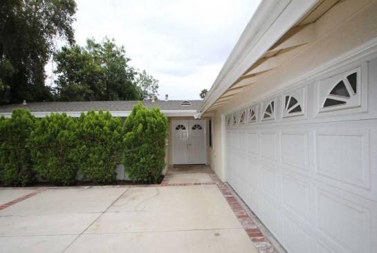 5434 Cromer Pl., Woodland Hills, CA 91367 | Photo 3