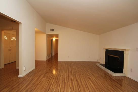 5434 Cromer Pl., Woodland Hills, CA 91367 | Photo 6