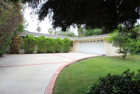 5434 Cromer Pl., Woodland Hills, CA 91367 | Photo 1