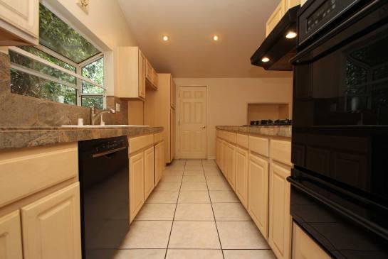 5434 Cromer Pl., Woodland Hills, CA 91367 | Photo 10