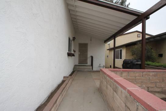 10245 Irma Ave, Tujunga, CA 91042   Photo 2
