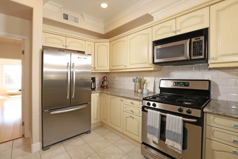 465 E. Magnolia Blvd Unit 303, Burbank, CA 91501 | Photo 9