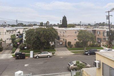 18321 Malden St, Northridge, CA 91325