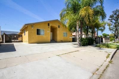 7907 Stansbury Ave, Panorama City, CA 91402