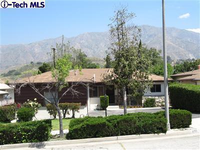 8031 Le Berthon Street, Sunland, CA 91040   Photo 24