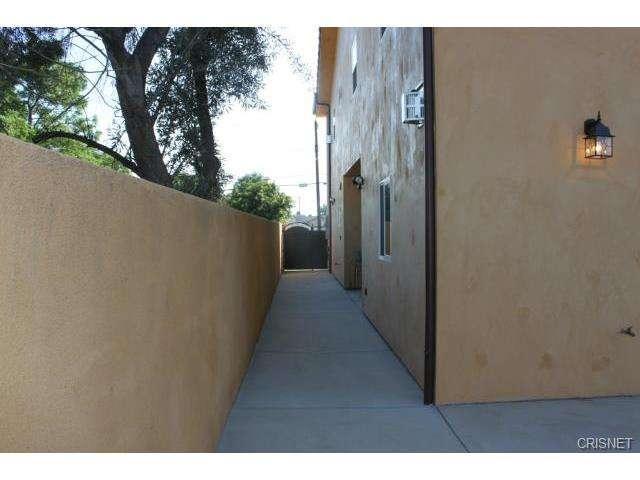 12814 Telfair Avenue, Sylmar, CA 91342 | Photo 31